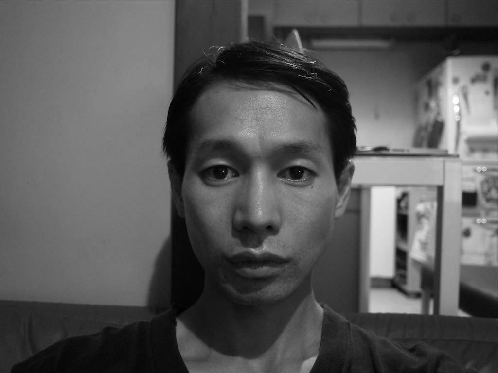 役のために髪切る 伊藤俊輔