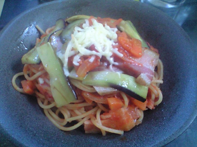 「Nokishita」風ベーコンとナスのトマトソーススパゲティ